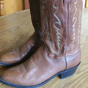 9D 1883 Lucchese Boots